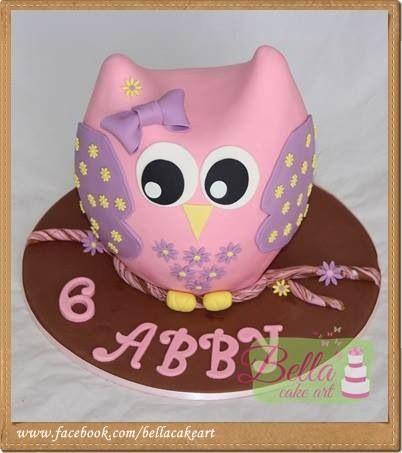 Beautiful owl cake for little girls
