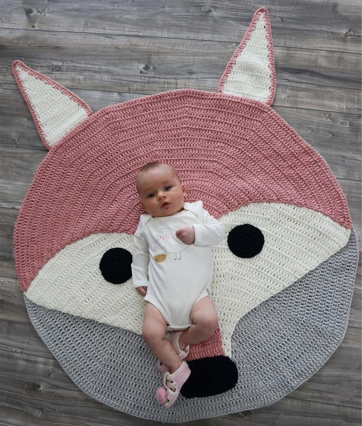 Tapis renard rose tricoté main en coton | Mooi Baby