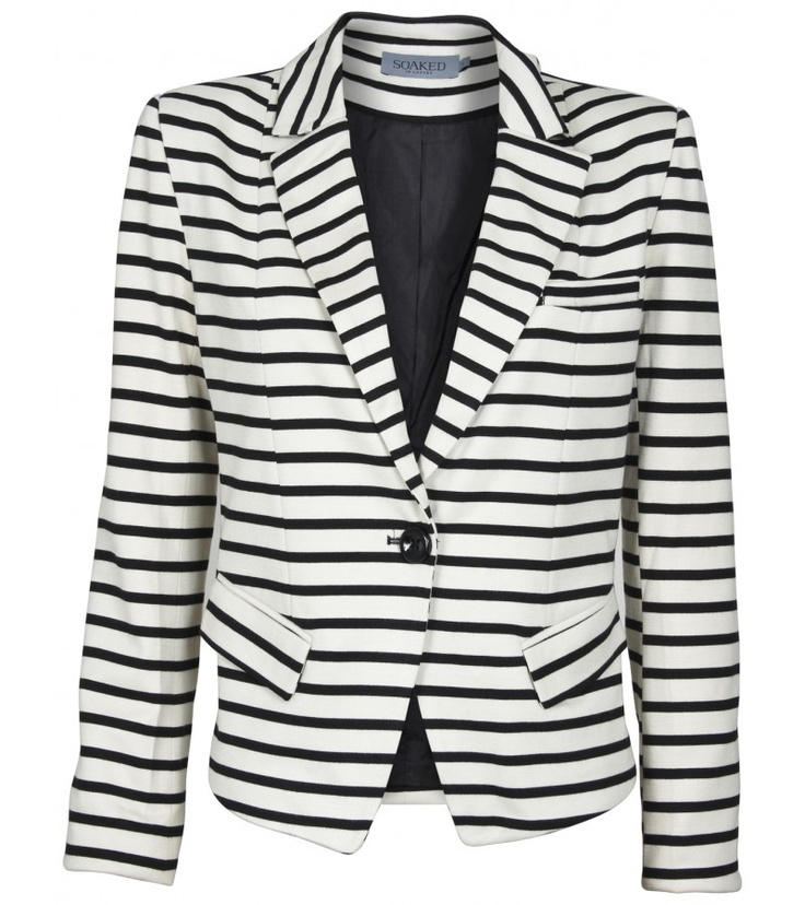 One of our favourites here in Bow & Pearl this Spring/Summer 2013 is the very stylish #Monochrome Striped Blazer. Visit our website to see more stylish pieces  http://bowandpearl.com/new-in/eden-jacket-4.html