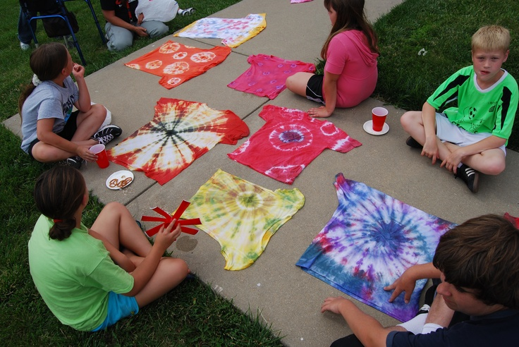 Teen Tie Dye - You'll have fun learning the basics of tie-dying. Bring a 100 percent pre-washed cotton t-shirt, socks, boxers, or head scarf and we'll provide the rest of the supplies. Be sure to wear old clothing. (For teens) Registration is required.
