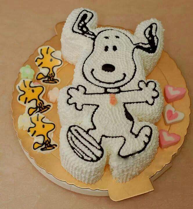 Best 25 Snoopy cake ideas on Pinterest Fondant flowers Fondant