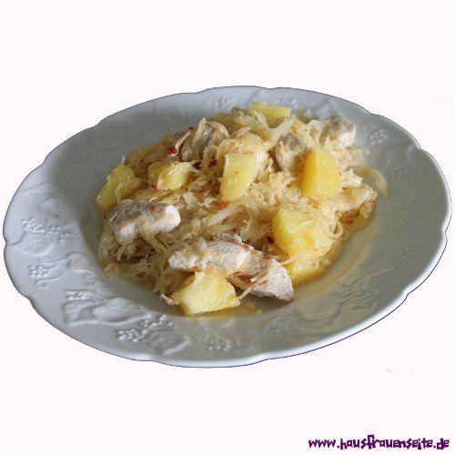 Putenstreifen mit Sauerkraut und Ananas