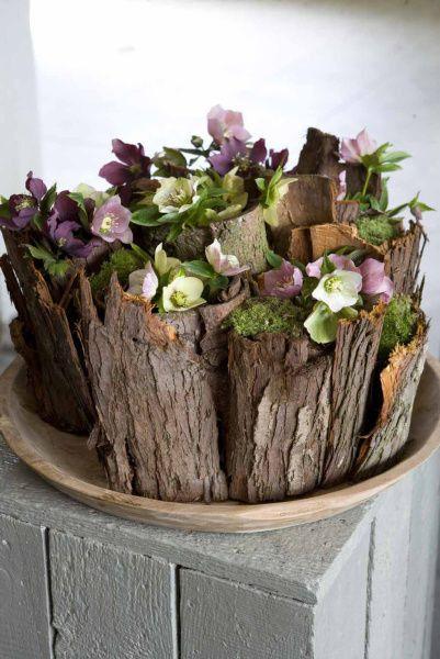 Gudrun Cottenier toont hoe je met Helleborus een mooi en simpel bloemstuk kan maken.