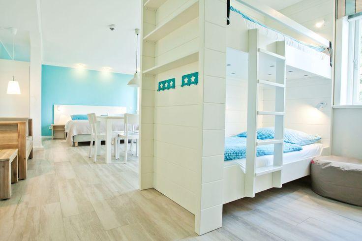 Hoftel Föhr - Familienzimmer für 6 Pers. mit Vollbad und Terrasse