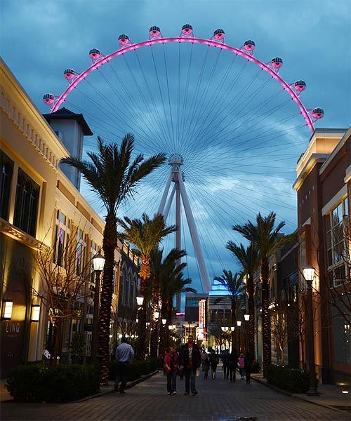High Roller is The Highest Observation Wheel in Las Vegas Valley  #las vegas