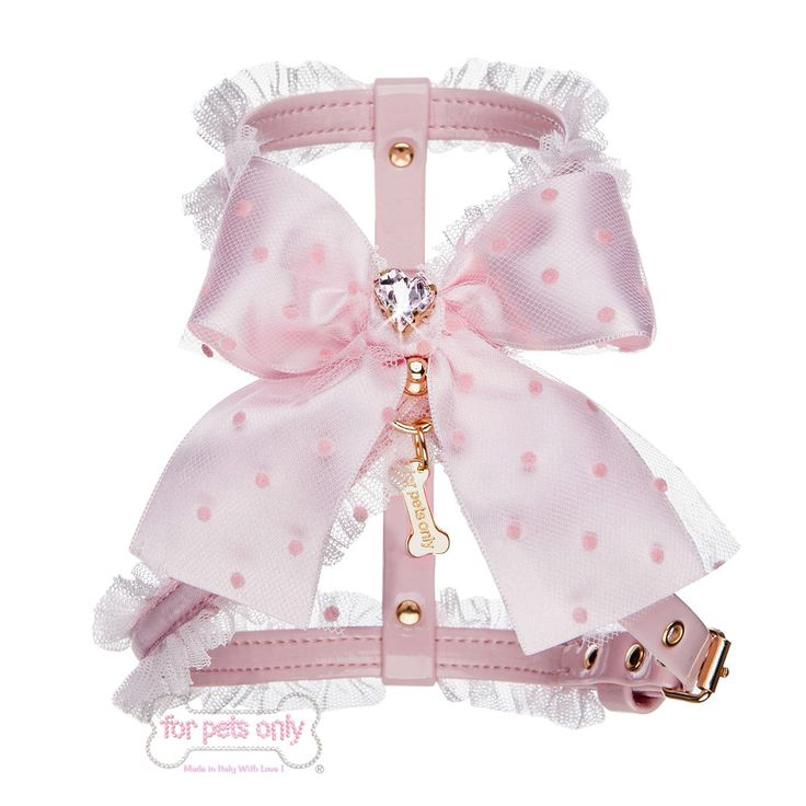 Elegante e di classe, una pettorina unica per passeggiate da vere reginette ❤️ Disponibile online qui: http://fashion-dog-boutique.com/pettorine/653-love-dots-harness-.html