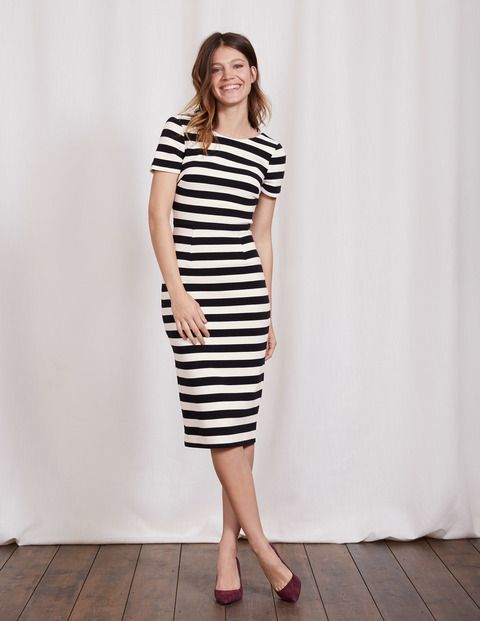Think of this as the cool, sophisticated cousin of the Aurelia Dress. We kept the soft, figure-skimming fabric and flattering cut you've been shouting about, but added capped sleeves and a low scoop back. It's that subtle hint of sexy that turns heads.