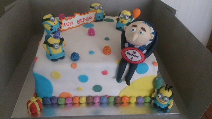 dispicable me birthday  cake