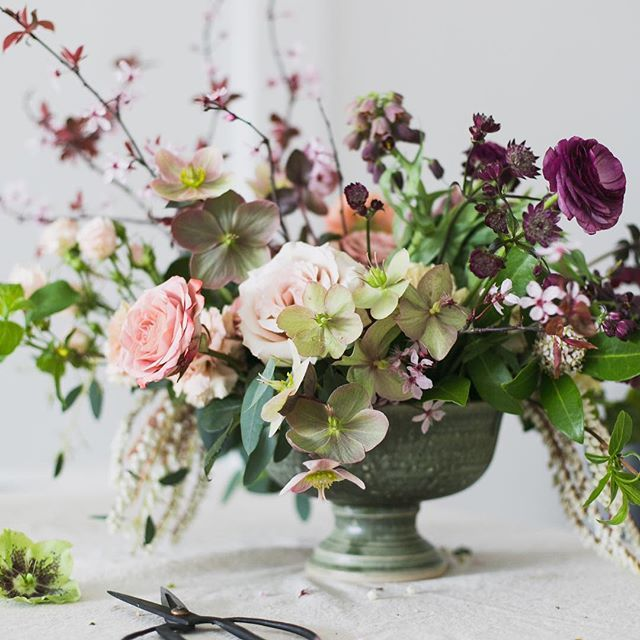 A peek of my work in progress from @brit_gill of our demo today @thevancouverflowerschool with @botanyandco @marialimon_  thanks to @melaniebensonfloral @holeckman @postmarkflowers @natpatch lovely compotes by @cat.ceramics