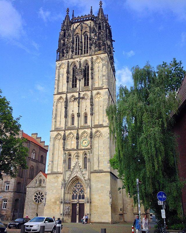 Überwasserkirche in #Münster. #exploremuenster #church #travel #germany #kirche #oldtown #architecture #historic