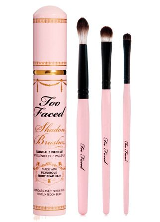 too faced makeup brushes... Pink!!! I want
