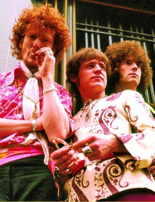 Ginger Baker, Jack Bruce, Eric Clapton  CREAM