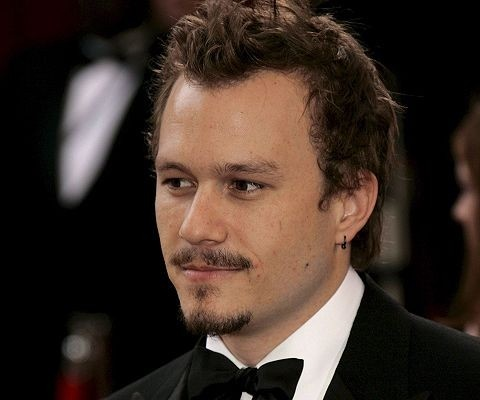 """Birth Name: Heathcliff Andrew Ledger  Born: 4 April 1979 Died: 22 January 2008...  Country of origin: Australia...  Height: 6' 2"""""""