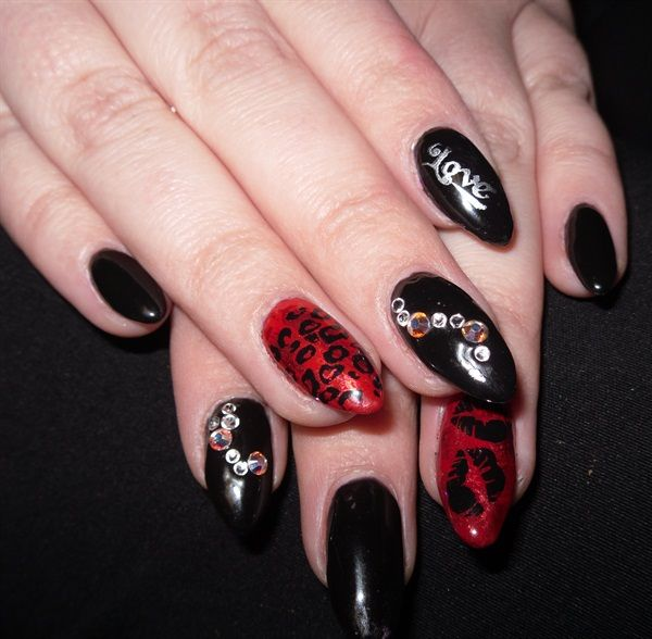422 best images about Valentines Day Nail Art on Pinterest ...