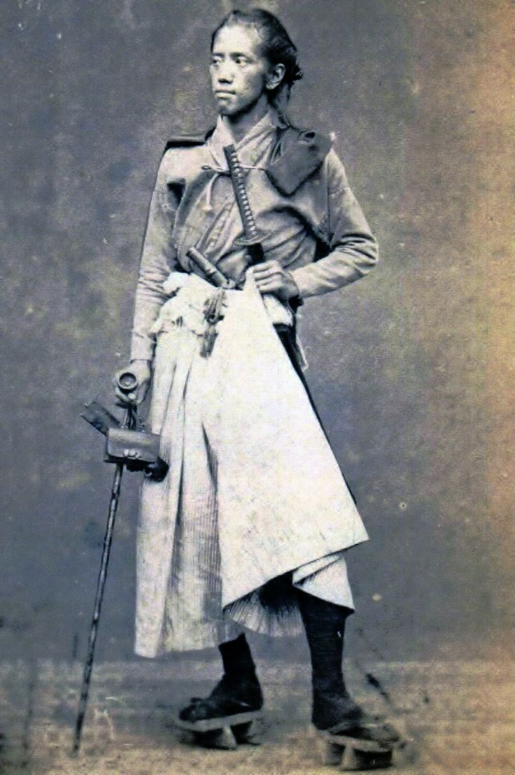 1866年上野彦馬撮影。台紙には「長崎の医学生」と書かれている。山川出版社「上野彦馬の世界」より。
