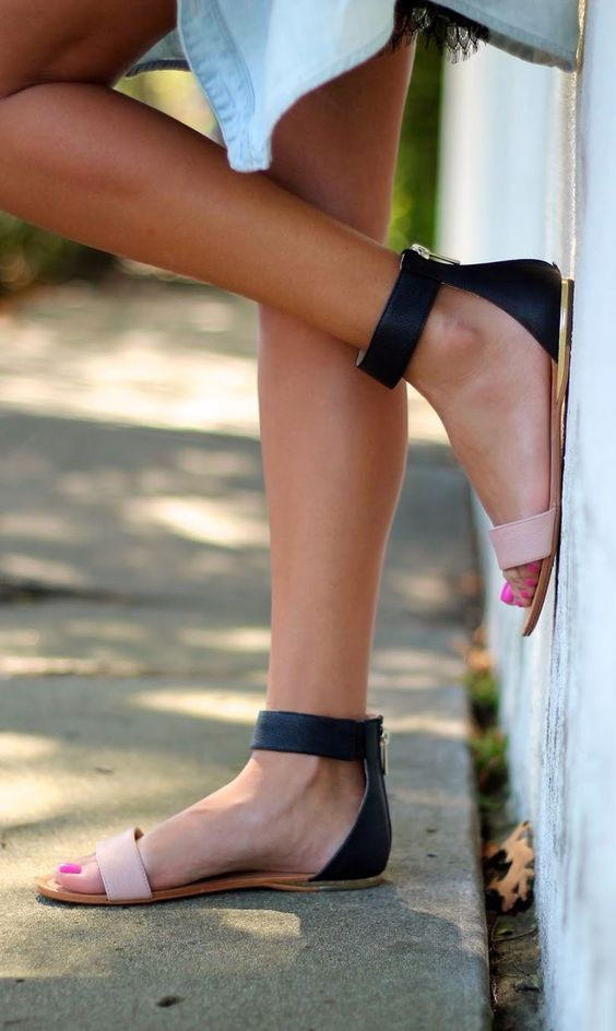 Flat sandals, Latest Trends of Summer 2016.