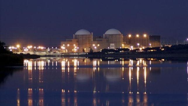 El Gobierno claudica ante las eléctricas y les da dos años para decidir el futuro de las nucleares