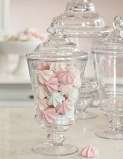 Miniature meringues - adorable!