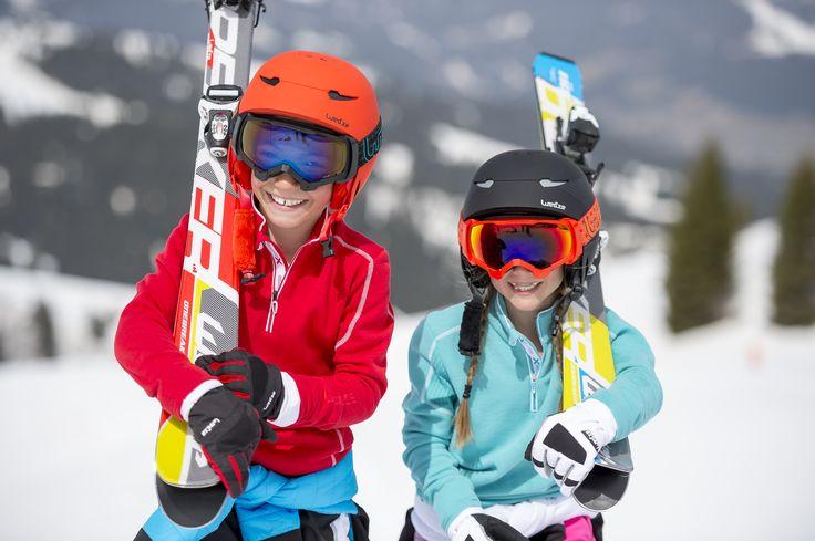 Ropa de esquí Junior: http://www.decathlon.es/Comprar/chaquetas+y+pantalones+esqui+ni%C3%B1o  Gorros de nieve Junior: http://www.decathlon.es/Comprar/gorros+nieve+ni%C3%B1o  Cascos y gafas de esquí Junior: http://www.decathlon.es/C-1090334-cascos-y-gafas-de-esqui-para-ninos  Esquís Junior: http://www.decathlon.es/Comprar/esquis%20ni%C3%B1o?C_34=esqu%C3%AD-snowboard-trineos&C_54=Ni%C3%B1o