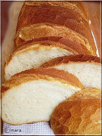 Emlékeztek a békebeli zsúrkenyérre? Talán a legjobb kenyér volt, amit akkoriban kapni lehetett. Ha jól emlékszem félkilós kenyérkék voltak, ...