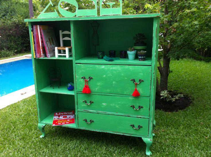 Mueble frances verde decapado muebles vintouch de for Pintar muebles antiguos de colores