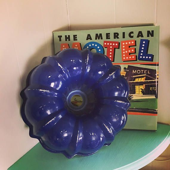 Vintage Blue Bundt Cake Pan. Aluminum Fluted Tube cake pan