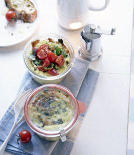 Italienisches Ei im Glas mit frischen Tomaten - Rezepte - [LIVING AT HOME]