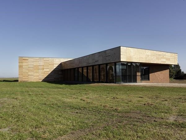 H2o Architects conceal massive insulated panel 'esky' with timber cladding and brick veneer | Architecture And Design