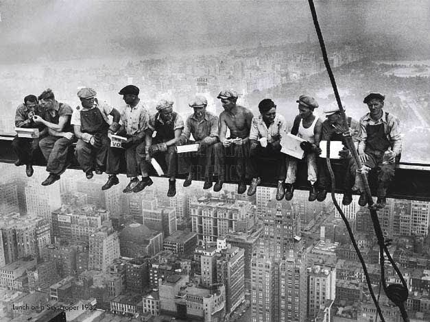 Construction of the Empire State Building....love this picture! MAN THIS IS CRAZY!!!!!