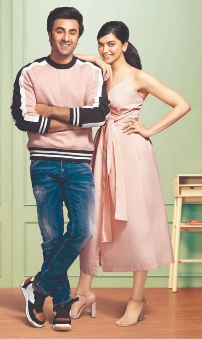 Deepika Padukone And Ranbir Kapoor For Asian Paints Beautiful Bollywood Actress Bollywood Celebrities Bollywood Actress