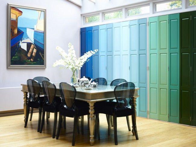 Внутренние ставни можно даже сделать центральным элементом декора в дизайне всего помещения