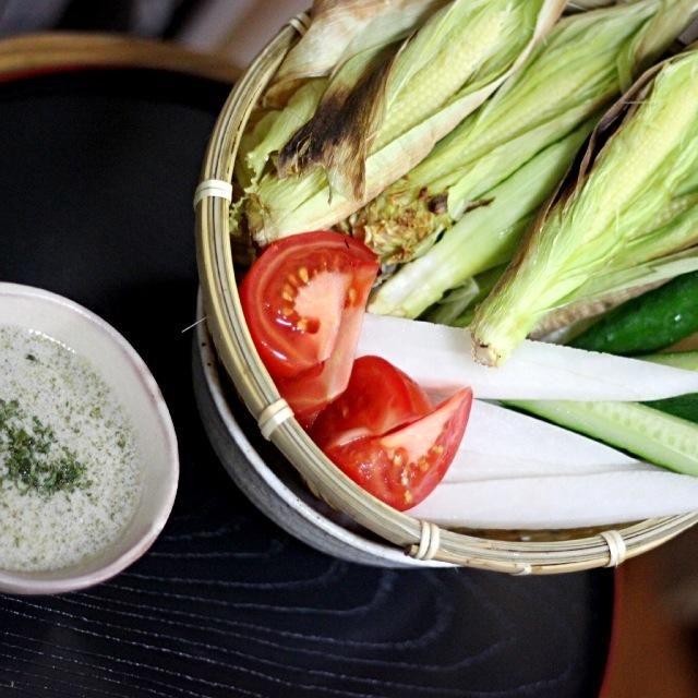 ヤングコーンってシャキッとしててうまい!缶詰じゃないのは初めて食べました。 - 87件のもぐもぐ - 初めて見ました生のヤングコーン。焼いてバーニャカウダにしてみました by sakuchan88