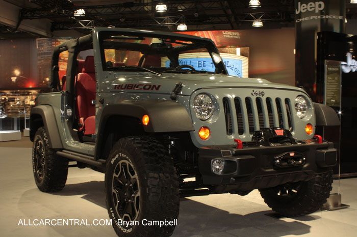 Jeep Rubicon 2014. Love the interior/exterior  color combination, but those fender flares need to be painted in the body color.