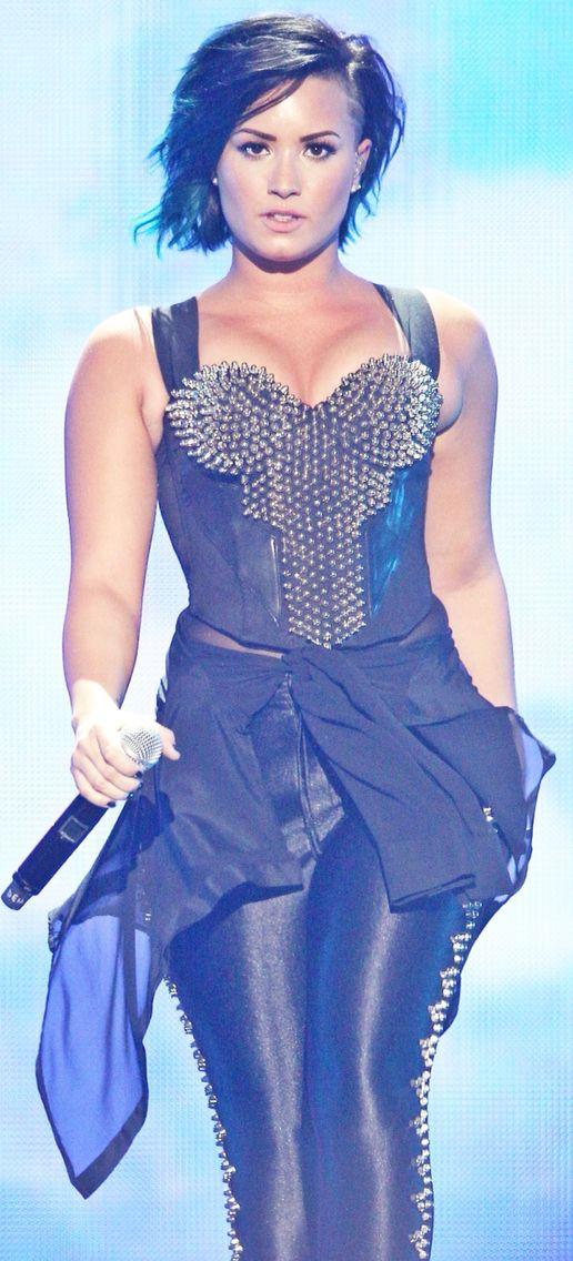Demi Lovato vevo superfanfest 2014