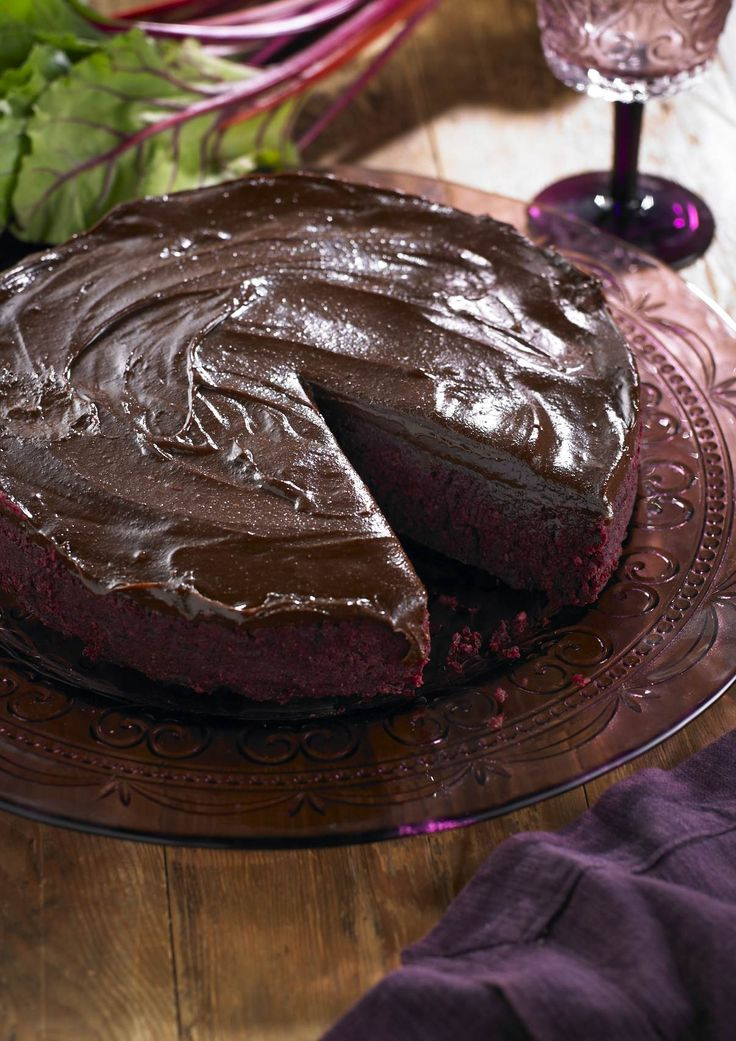 Beetroot Chocolate Mud Cake: gluten free. This cake packs all the divine flavor of a traditional chocolate cake but is so much more beneficial for your health.