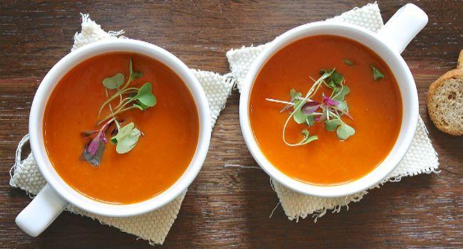 7 zuppe: -cavolo nero -lenticchie -ceci e salvia -spinaci e funghi -ceci e pere -di miso -riscaldante