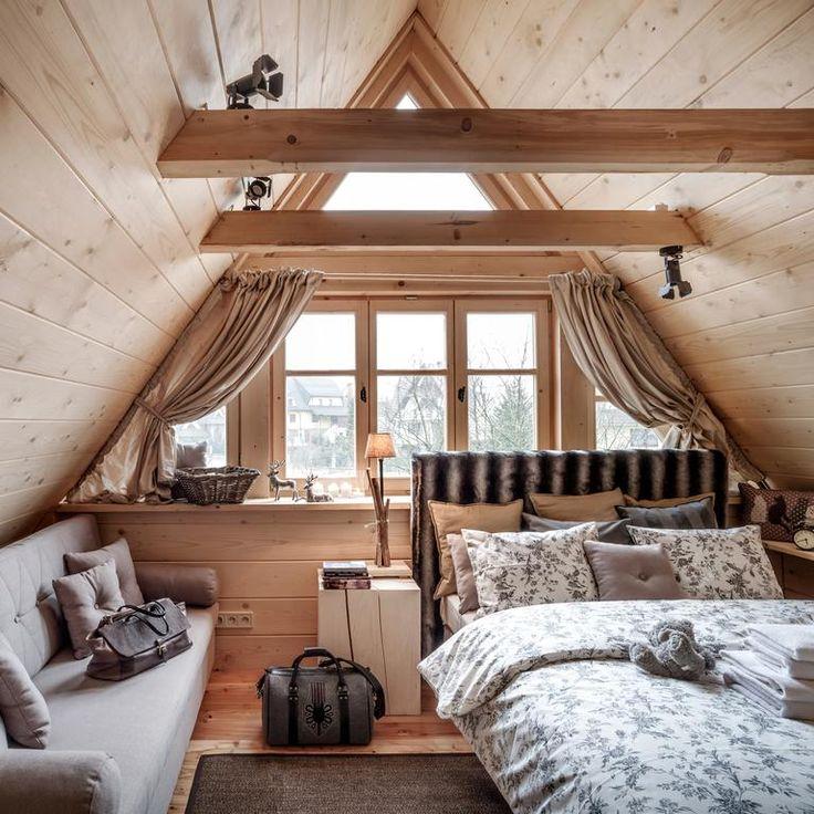 Luxury Log Home Interiors: Best 25+ Attic Bedrooms Ideas On Pinterest