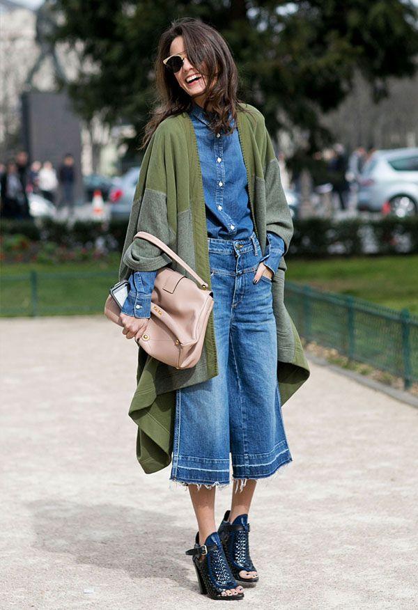 Você já sabe que qualquer item jeans é peça-chave na hora de vestir. Versátil, ele vai bem tanto em escritórios mais casuais, no office look, quanto em um look de fim de semana descolado. Mais baca…