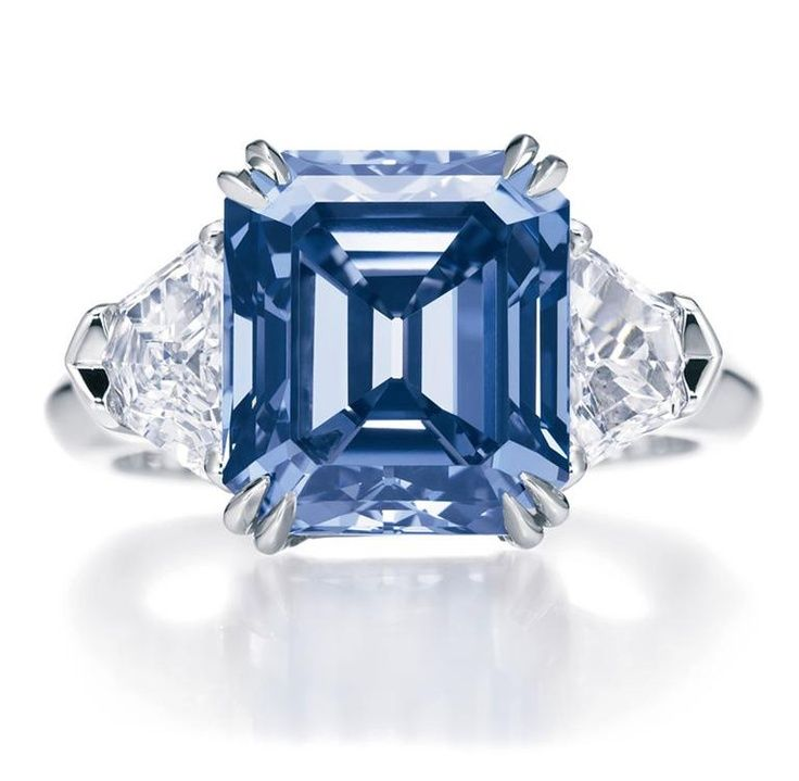 Love this five carat blue diamond ring! Harry Winston ~ 35 Gorgeous Diamonds - Style Estate -