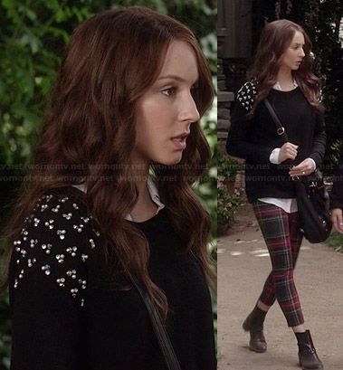 Leggings a cuadros rojos de Spencer y negro perla suéter tachonado en Pretty Little Liars