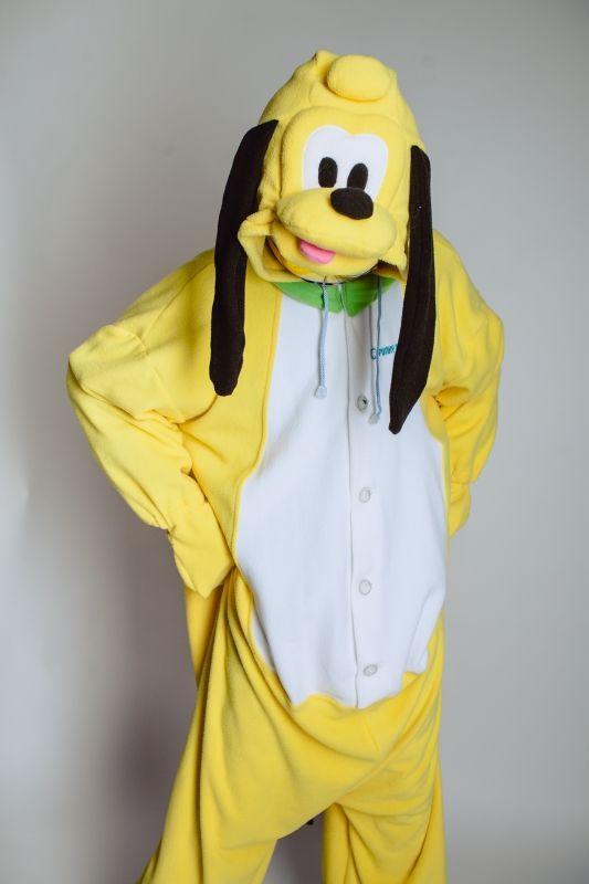 Забавный кигуруми знаменитого пса Плуто из серии мультфильмов Дисней. Сшит из мягкого уютного флиса, гвоздь любой вечеринки!