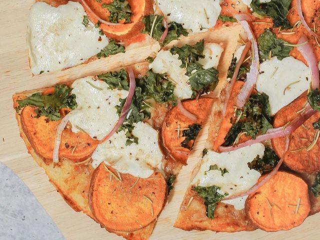 Blumenkohl Pizza Rezept | Süßkartoffel & Grünkohl | CAULIPOWER   – Healthy Food