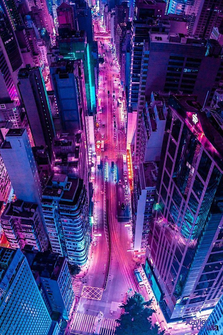 """""""Glow"""" von Xavier Portela – Luftaufnahmen und Skylines in vibrierendem Neonlicht Er ist ein Autodidakt, ein inzwischen international bekannter F…"""