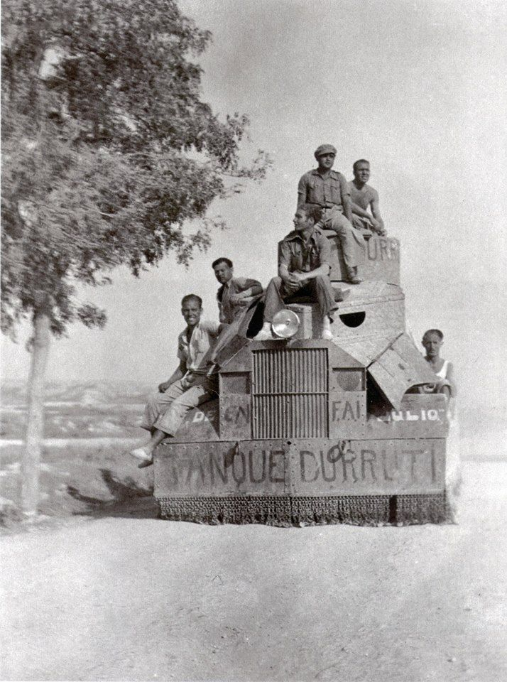 "Spain - 1936-39. - GC - Camión blindado Serra (TANQUE DURRUTI des Regimentes ""19. Juli"")."