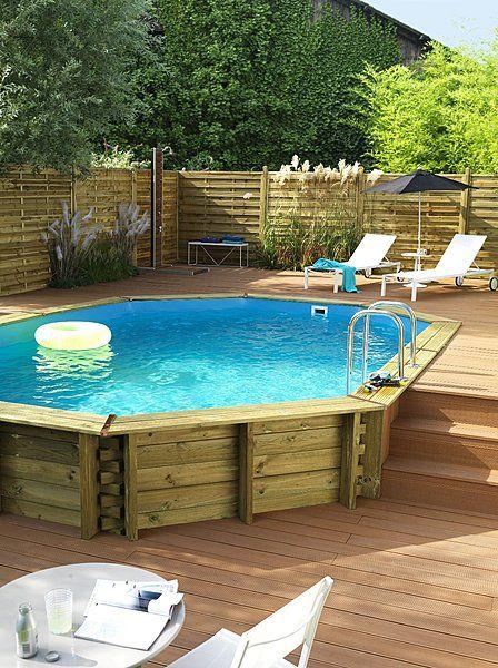 Une piscine en pin trait par autoclave  enterrer ou semi-enterrer. Liner  avec