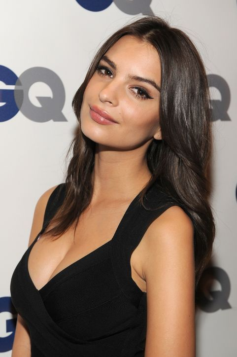 """3 Makeup Tricks That Made Emily Ratajkowski Look Even More Gorgeous Last Night Than She Does in the """"Blurred Lines"""" Video"""