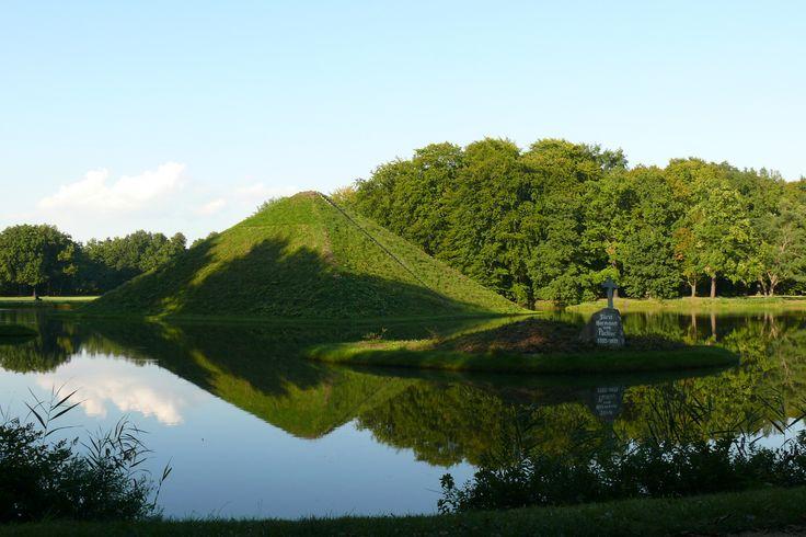 Genießen Sie den Branitzer Park bei einer Nordic Walking Tour. Egal, ob Sommer oder Winter, hier gibt es zu jeder Jahreszeit einiges zu entdecken.