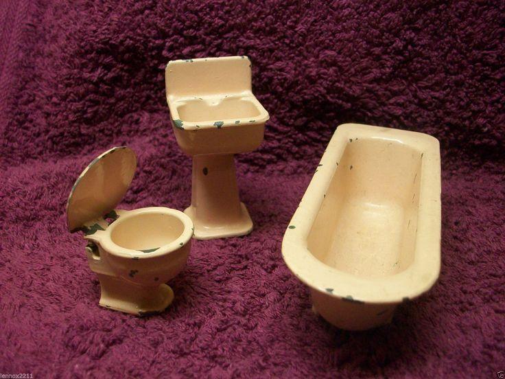 VINTAGE DOLLS HOUSE BATHROOM SUITE METAL PINK TOILET SINK BATH FAIRYLITE 1950's | eBay