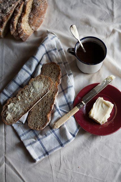 Spelt and Oat Bread | Pão de espelta e aveia by Filipe Lucas Frazão, via Flickr