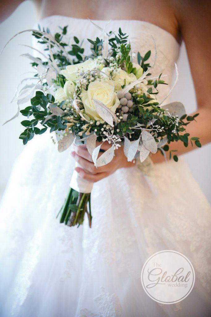 Winter wedding bouquet. Зимний свадебный букет невесты